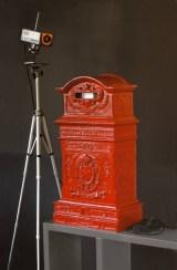 Nam June Paik, Voyeur's mail box, 1990, bronze and videocamera, cm 84.5x45.5x26.5 Photo courtesy Edizioni Archivio F. Conz, Verona No. PV0267