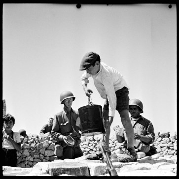 Phil Stern, Contadini, Sicily 1943 Photo by Phil Stern