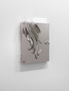 Jason Martin. Sculpture as painting. Veduta della mostra, Lisson Gallery, Milano. In primo piano: Jason Martin Sloe, 2013 Nickel 42 x 32 x 7 cm © the artist; Courtesy, Lisson Gallery, London