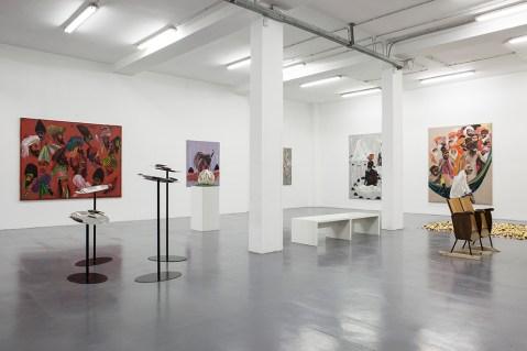 """veduta allestimento """"Aldo Mondino. Milano, Venezia, Calcutta"""", Galleria Giovanni Bonelli, Milano. Foto: Laura Fantacuzzi"""