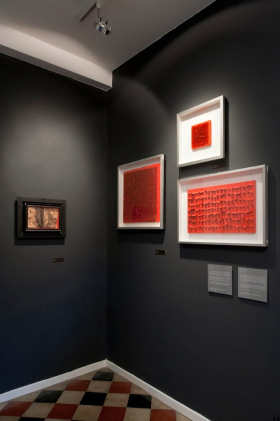 Colore. Assoluto. Aubertin Klein Manzoni, vista della mostra Courtesy Kanalidarte, Brescia