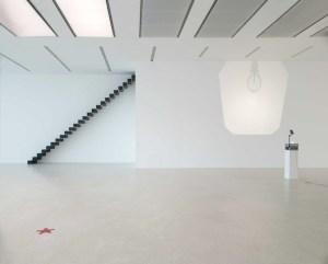 Ceal Floyer, exhibition view, Museion 2014. Foto Augustin Ochsenreiter, © the artist and VG-Bildkunst