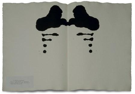 Luciano Fabro, Macchie di Rorschach, 1976, acrilico su carta a mano, carta e inchiostro, assemblaggio, 56x76 cm, Collezione privata Foto: Annalisa Guidetti e Giovanni Ricci, Milano