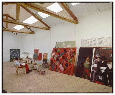 Aldo Mondino nel suo studio_ph. Fabrizio Garghetti courtesy Archivio Garghetti, Milano