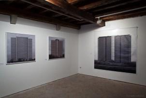 Dritan Hyska, low-Objekt 10, 2012, C-print on dibond, veduta dell'allestimento