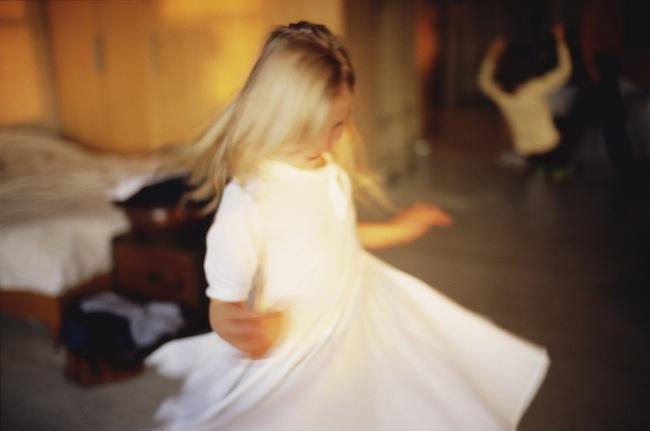 NAN GOLDIN Ava twirling, NYC, 2007 Photograph from videoinstallation Fire Leap, 2011 © Nan Goldin