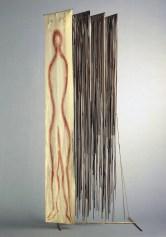 Fausto Melotti Orfeo dimentico 1975 Ottone, tessuto dipinto e nastri di registrazione, 185 x 70 x 53 cm Collezione Marta Melotti, Milano