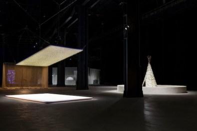 Cildo Meireles, Installations, 2014, veduta della mostra, HangarBicocca Milano, ph.Agostino Osio Courtesy Cildo Meireles e Fondazione HangarBicocca, Milano