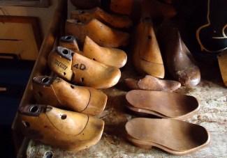 Casa Carol - Forme in legno per scarpe, 2011 photo courtesy Andrea Guerzoni