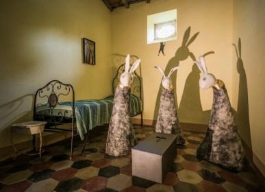 Francesca Casolani, L'arrivo dei conigli, dal ciclo Nel ventre di Pinocchio