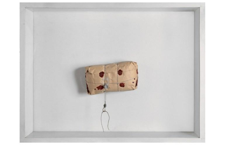 Piero Manzoni, Achrome, 1962 circa, pacco in carta da imballo, 60x80 cm, Milano, Fondazione Piero Manzoni in collaborazione con Gagosian Gallery