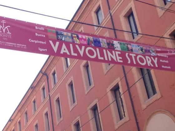 Valvoline Story, striscione in via Indipendenza