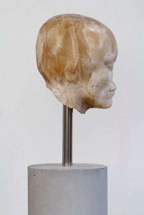 Nicola Samorì, Il male della pietra, 2014, onice, cemento, acciaio,167x21x20 cm
