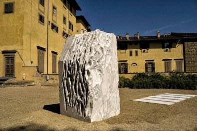 Giuseppe Penone, Anatomia, 2011 e Pelle di marmo, 2001 (5 lastre), marmo © Paolo Frullini