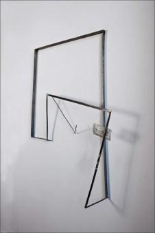 Valdi Spagnulo, Domus dinamica 2, 2008-09, ferro, acciaio inox, plexiglas pigmentato, 110x90x20 cm circa Foto Andrea Valentini
