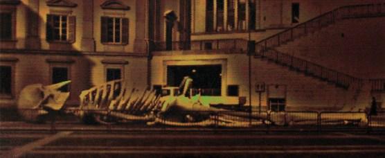 Davide La Rocca, Scheletro in piazza, olio su tela,cm103x250,2013