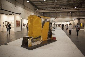 G. Cossio, la grande scultura presentata ad ArtVerona Fiera d'Arte, nell'area KingKong, in collaborazione con Volvo CE Italia. ph. Elena Sartorari