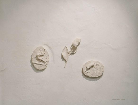 1.Caterina Sbrana; Diorama zoomachia; 2014; argilla bianca cotta; dimensioni variabili