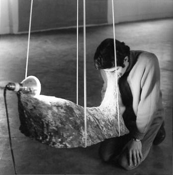 Gilberto Zorio Per purificare le parole, 1968 tela, rame, calcestruzzo / canvas, copper, concrete 91,5 x 43 x 112 cm © Gilberto Zorio, by SIAE 2014 © Sonnabend Collection, New York