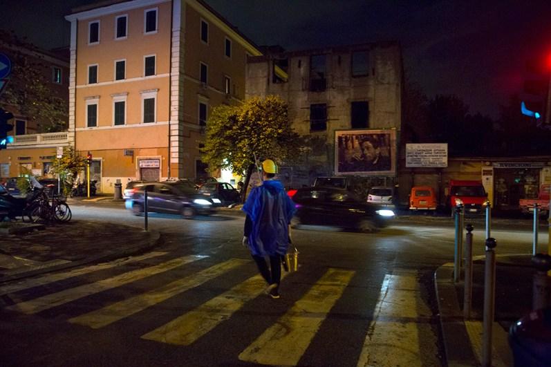 Mostra Μύθοι. Myths. Students/Artists/Teachers. A process of exchange Fondazione Pastificio Cerere, Roma, dicembre 2014 Performance di Mikołaj Sobczak, Barricade