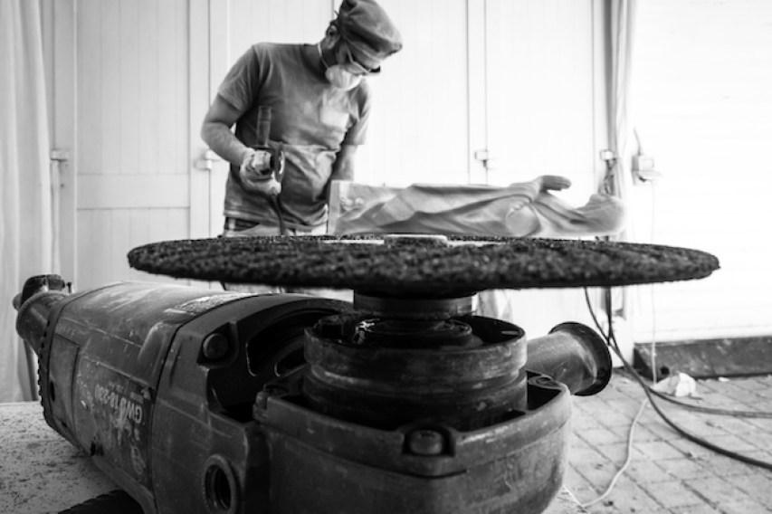 Michelangelo Galliani lavora alla Vergine degli Inganni. Foto di Enrico Turillazzi