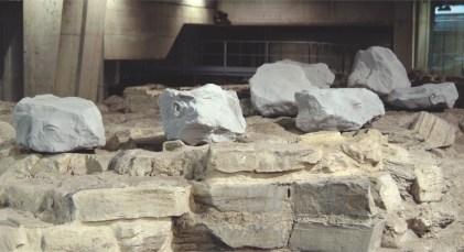Andrea Salvatori, Anomali Reperti, installazione, ceramica