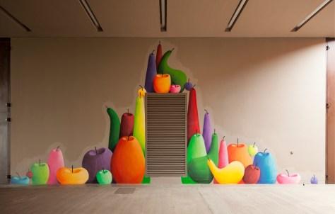 Still-Life remix. 26 artisti contemporanei reinterpretano la Natura Morta, veduta installazione mostra Antinori nel Chianti Classico, Giant Fruits