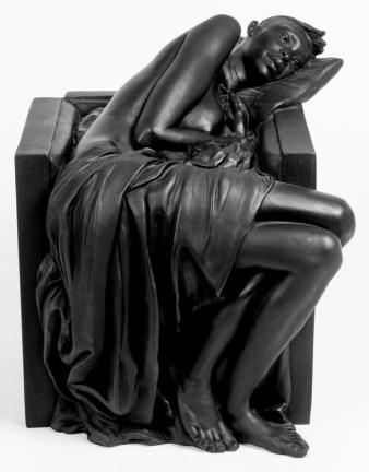 Giuseppe Bergomi, NABA RANNICCHIATA IN POLTRONA CON DRAPPO, 2015, bronzo, patina nera, cm 36x32x39