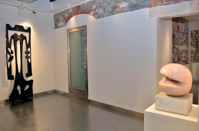 Agustin Cárdenas e la Negritudine, veduta della mostra, Galleria Duomo, Carrara (MS) Foto Lapo Cozza