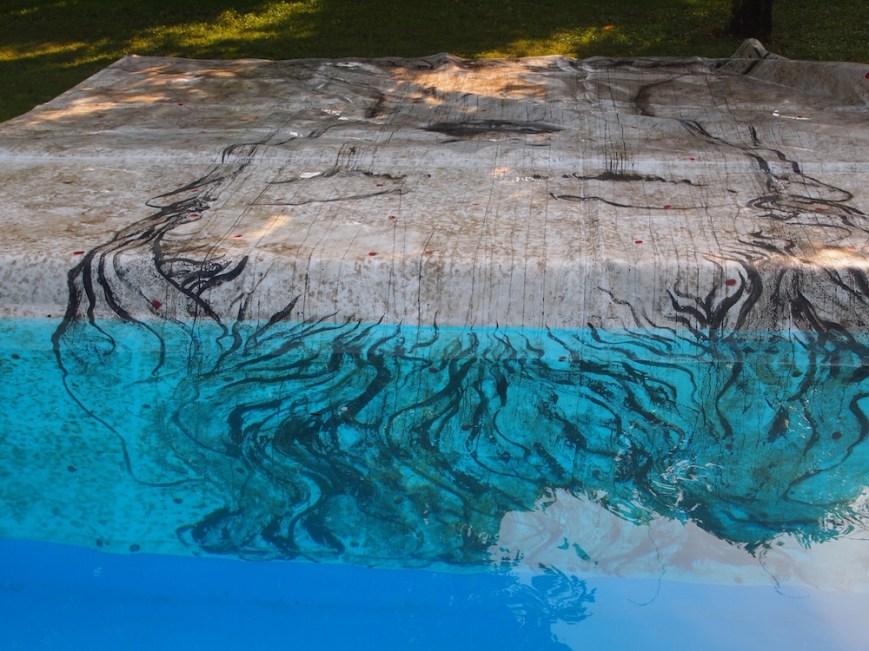 Omar Galliani, Dalle stanze di Ophelia, 2010-15, smalto su PVC, sedimenti marini e fluviali, 500x500 cm © Luca Trascinelli