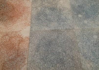 Asako Hishiki, Shiki-Matsuba, 2015, xilografia su tessuto, installazione a pavimento di 6 elementi da 75x75 cm ciascuno (particolare)