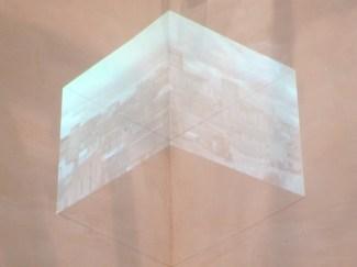 Andrea Aquilanti, Tarquinia, 2015, videoproiezione e matita sul muro Proprietà dell'artista