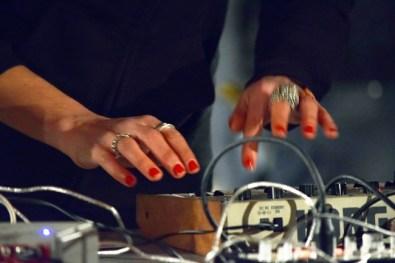 CRISTIANA PALANDRI - Misunderstandig, 2010 Installazione, legno, vetro, ferro, cera, capelli, 200x300x120 cm. Cortesy NOPX [Torino]. photo Roberta Toscano