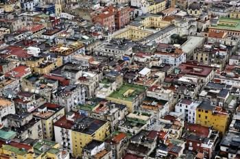 """Una veduta aerea del centro della città di Napoli, 31.03.2009 Foto Mario Laporta, mostra """"Controluce"""""""