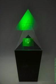 Target, 2013 Nicola Evangelisti e Mauro Melotti ologramma su pellicola, acciaio, plexiglass, laser 150x48, 5x60 cm circa Foto Gabriele Corni