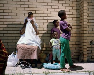 Tommaso Fiscaletti. Sylvia and the children. Dunoon, Cape Town. 2014