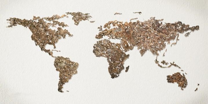 Dario Goldaniga, World Map, 2016, assemblaggio di colature di bronzo, 100x220 cm, esemplare unico