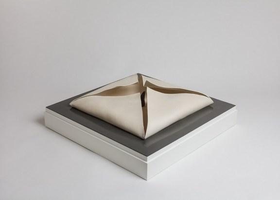 Renata e Cristina Cosi, Society, 2015-2016, impasti ceramici e resina, cm. 65x65x33