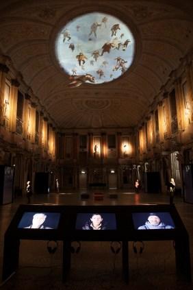 """STUDIO AZZURRO, Miracolo a Milano, veduta della mostra """"Immagini sensibili"""", Sala delle Cariatidi, Palazzo Reale, Milano"""