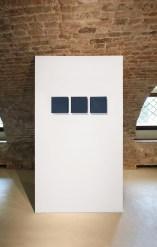 Pino Pinelli, Pittura, 1976, tecnica mista, 18x60 cm, Villa Pisani Bonetti, Bagnolo di Lonigo 2016 Courtesy Associazione Culturale Villa Pisani Contemporary Art Foto Bruno Bani, Milano