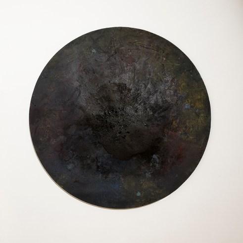 Eltjon Valle, Untitled, 2016, tecnica mista su tela, diametro 180 cm