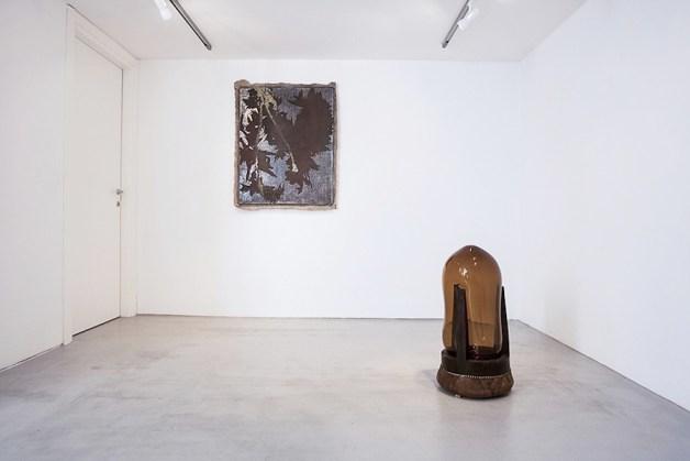 Adi Haxhiaj - Silvia Vendramel. Fragile come una scultura solido come un quadro, veduta della mostra, Villa Contemporanea, Monza