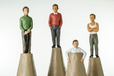 Nando Crippa, Colombini, 2013-2014, terracotta dipinta, altezza massima 82.5 cm Courtesy Galleria Armanda Gori, Prato Foto © Stefano Pensotti