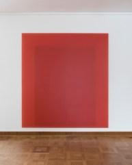 Herbert Hamak, Permanentrot PY10 H1003N, 2007, pigmenti e resina su tela, 220x200x8 cm Courtesy Studio la Città, Verona