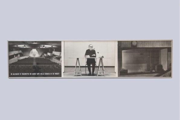Vincenzo Agnetti, In allegato vi trasmetto un audiotape della durata di 30 minuti, 1973, riporto fotografico ed audiotape di 30 minuti, 27x118 cm Courtesy Osart Gallery, Milano Foto di Bruno Bani