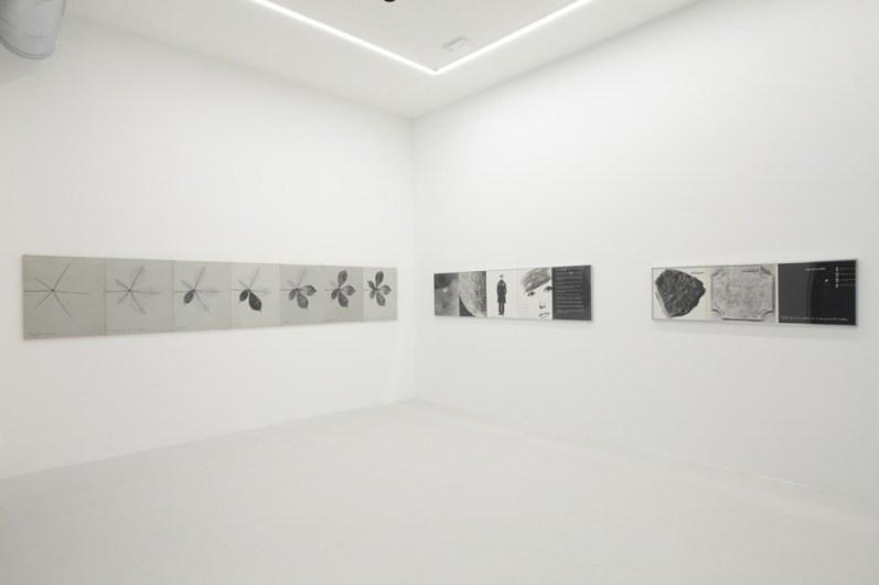Vincenzo Agnetti. Oltre il linguaggio, veduta della mostra, Osart Gallery, Milano Courtesy Osart Gallery, Milano Foto di Bruno Bani
