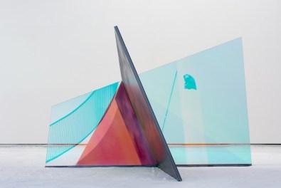 Matteo Negri, Piano Piano Leila, 2017, ferro zincato, cromo liquido, vetro temperato e pellicola, 206x212x138 cm Courtesy Lorenzelli Arte