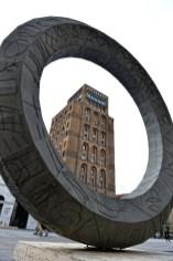 Mimmo Paladino. Ouverture, veduta dell'installazione, Piazza della Vittoria, Brescia Foto © Salvetti Francesco
