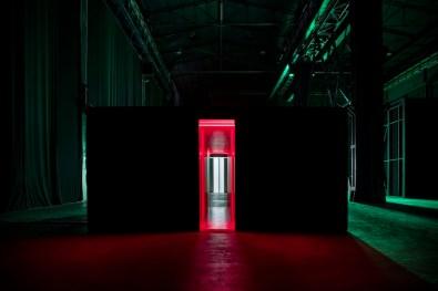 """Lucio Fontana, """"Ambienti/Environments"""", veduta della mostra, Pirelli HangarBicocca, Milano, 2017 Courtesy Pirelli HangarBicocca, Milano Foto Agostino Osio"""