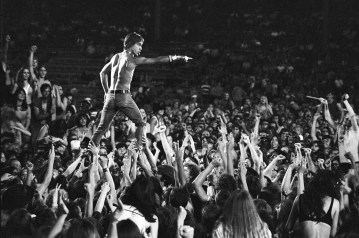 Iggy Pop durante un concerto a Crosley Field, Cincinnati, Ohio, 23 giugno 1970 (Photo by Tom Copi/Michael Ochs Archive/Getty Images)